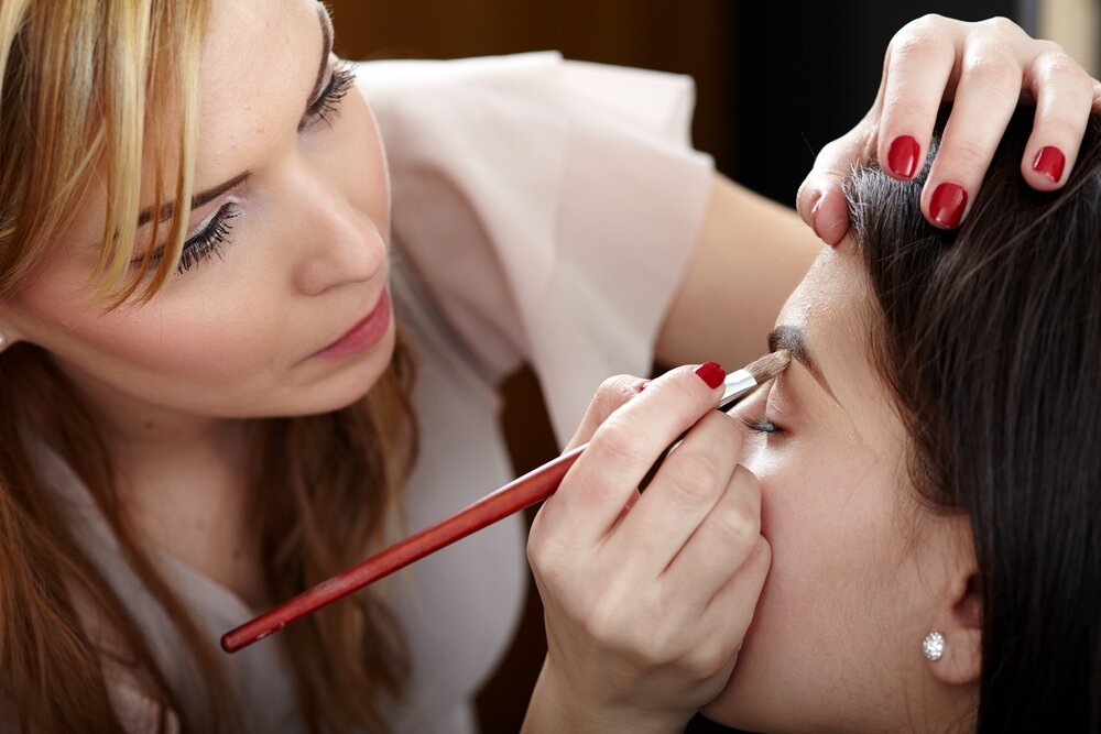 Make-up tips for over 50s: 9 youthful beauty tricks -