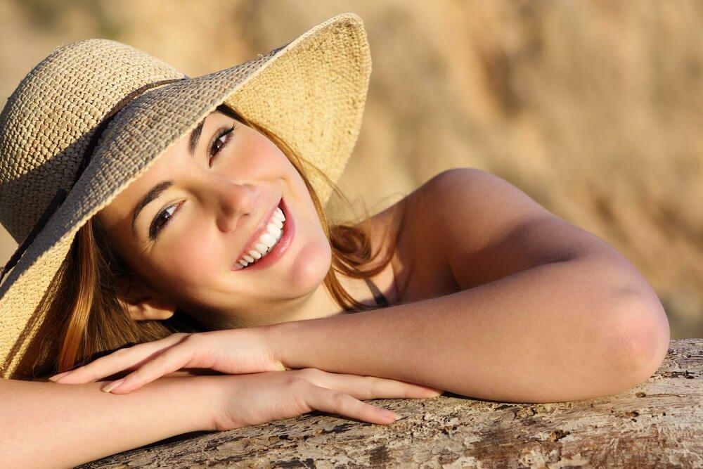 woman sun hat